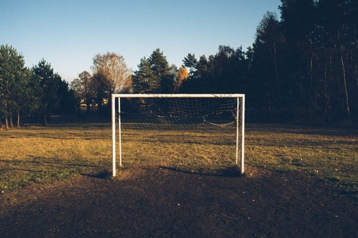 old-football-goals (1)