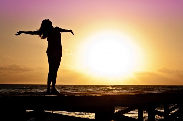 woman-girl-freedom-happy-sun-silhouette-sunrise (1)